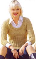 Ажурный свитер с глубоким вырезом